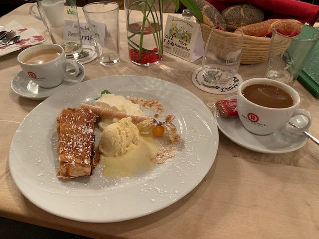 ice cream, apple streudel, Germany