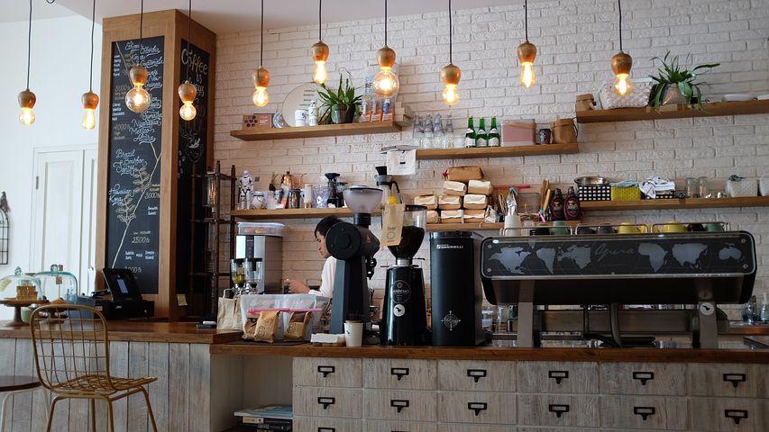 Barista in coffee shop; Pixabay